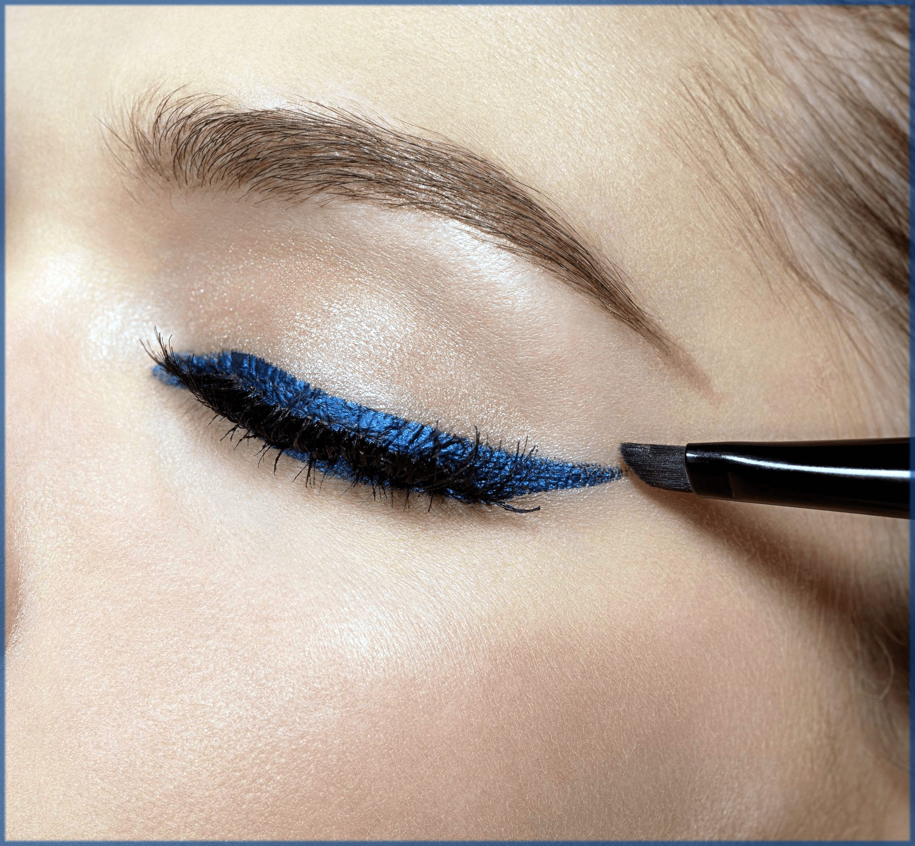 how to apply eyeshadows with eyeliner