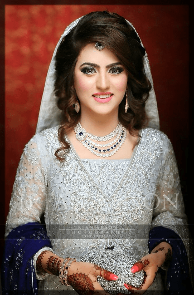 Latest Pakistani Bridal Hairstyles 2021 For Mehndi Barat And Walima