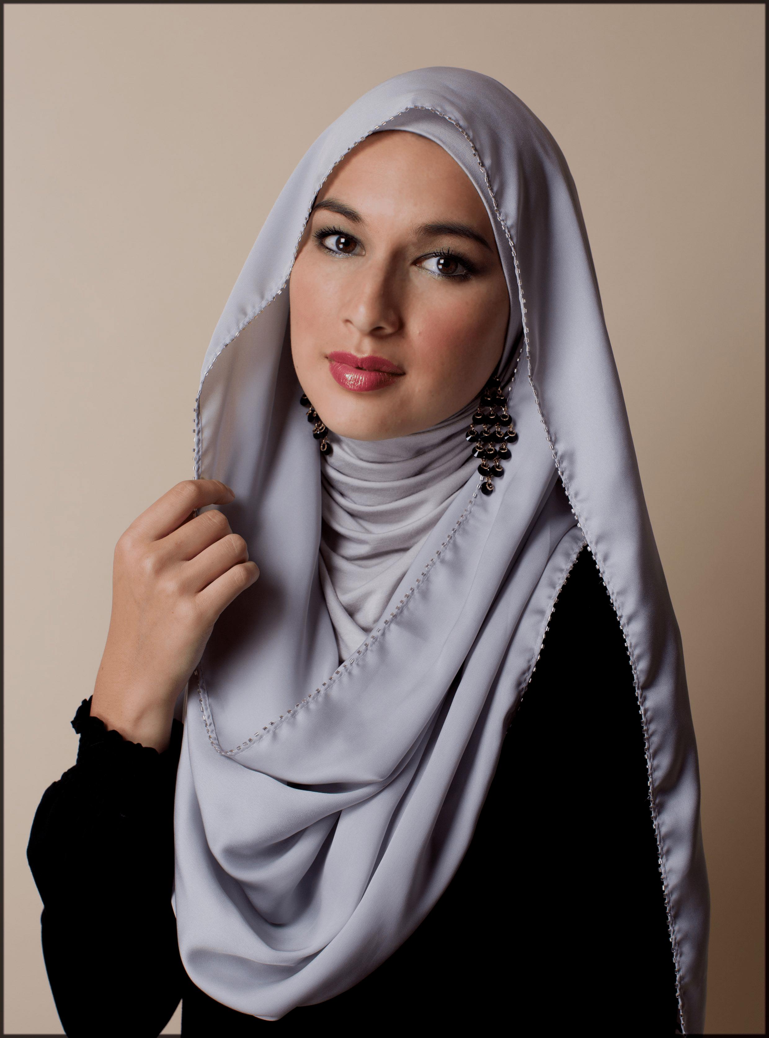 stylish turkish hijjab style showing earrings
