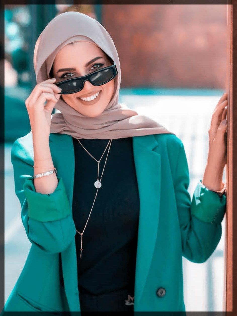 tukish hijab with sunglasses