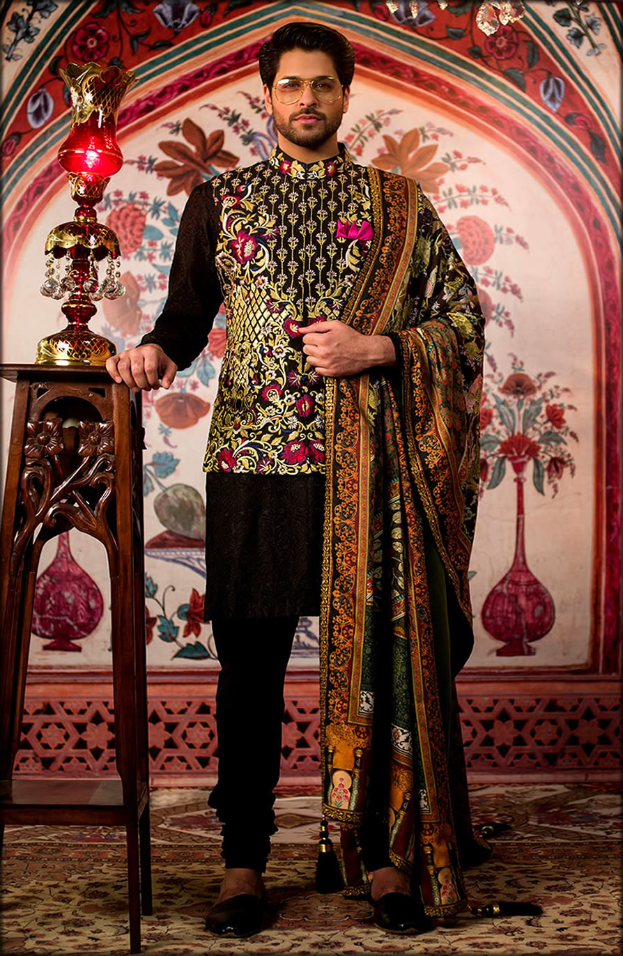 Black sBarat Dresses For Groom