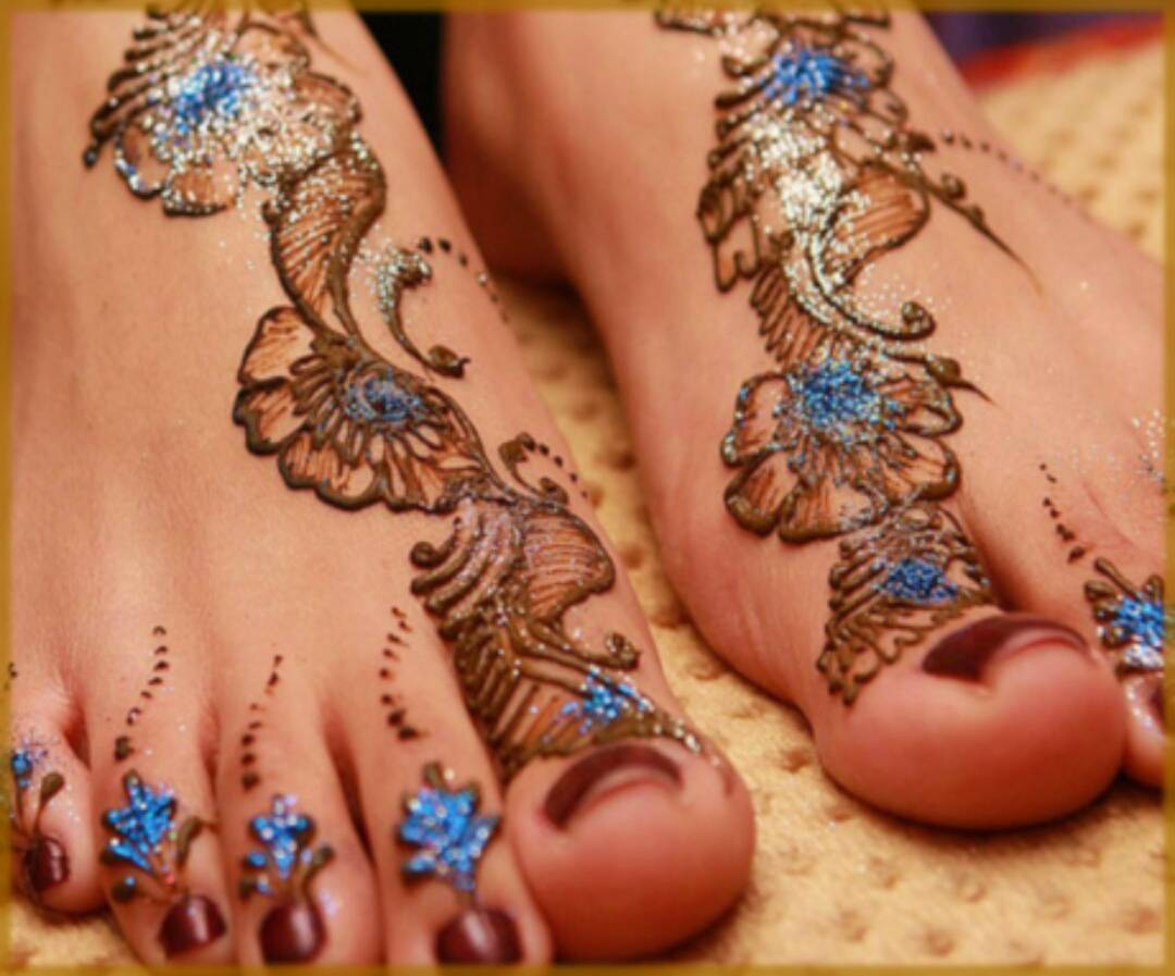 Delicate Blue Glitter For Feet