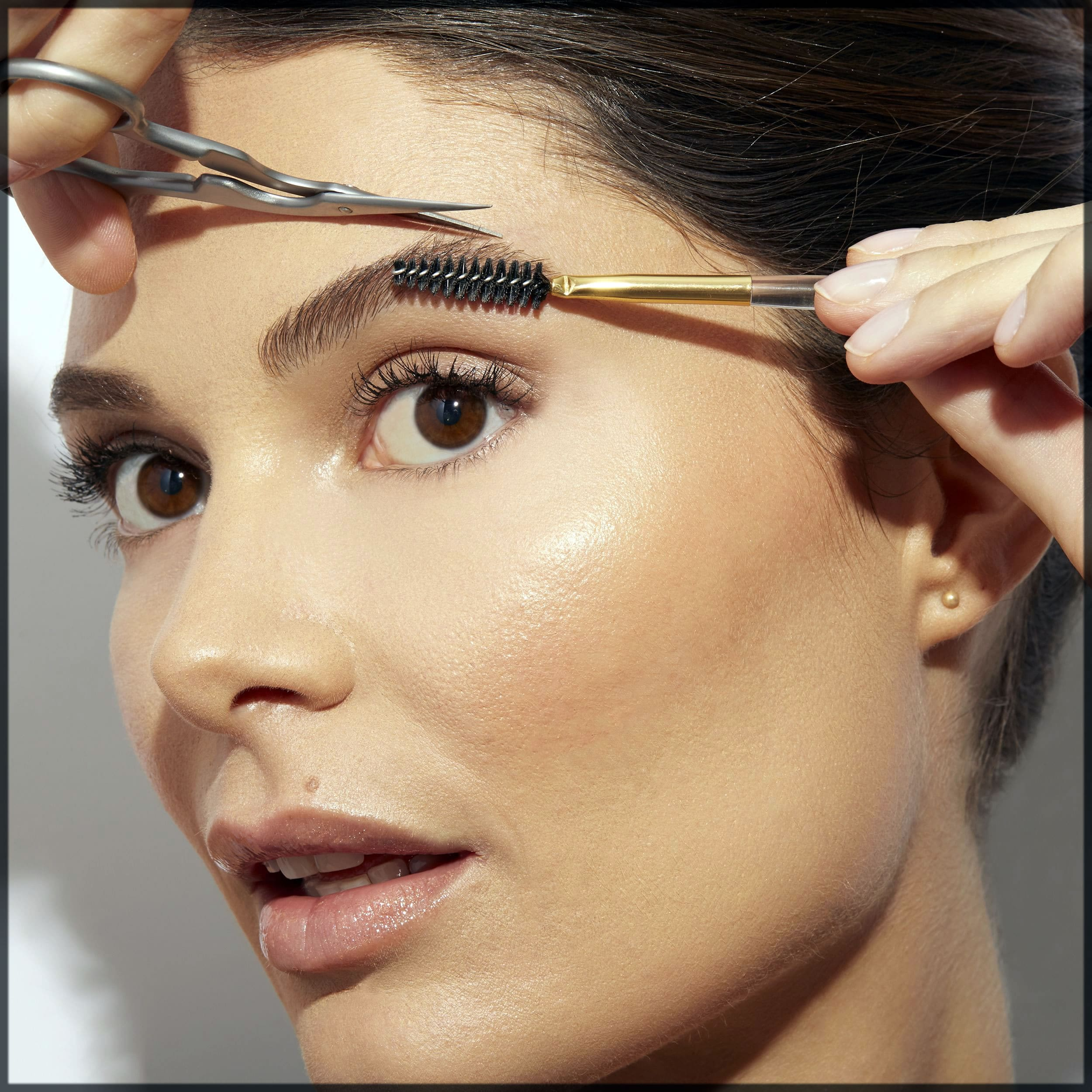 How To Shape Your Eyebrows At Home quickly