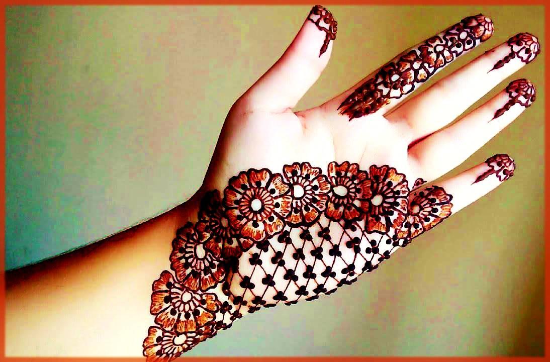 Minimal Floral Mehndi Design