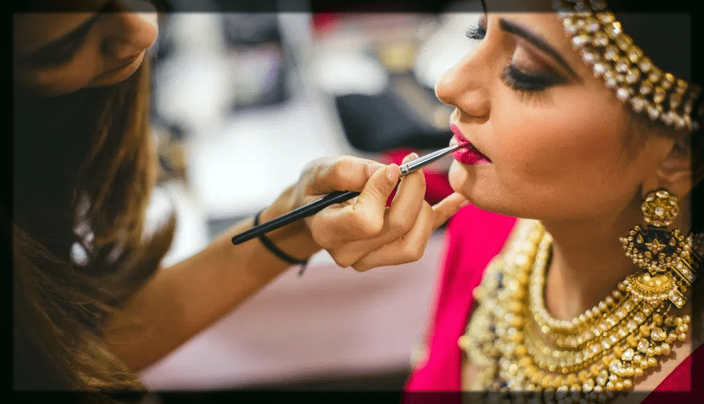 apply lipsticks to the indian bridal