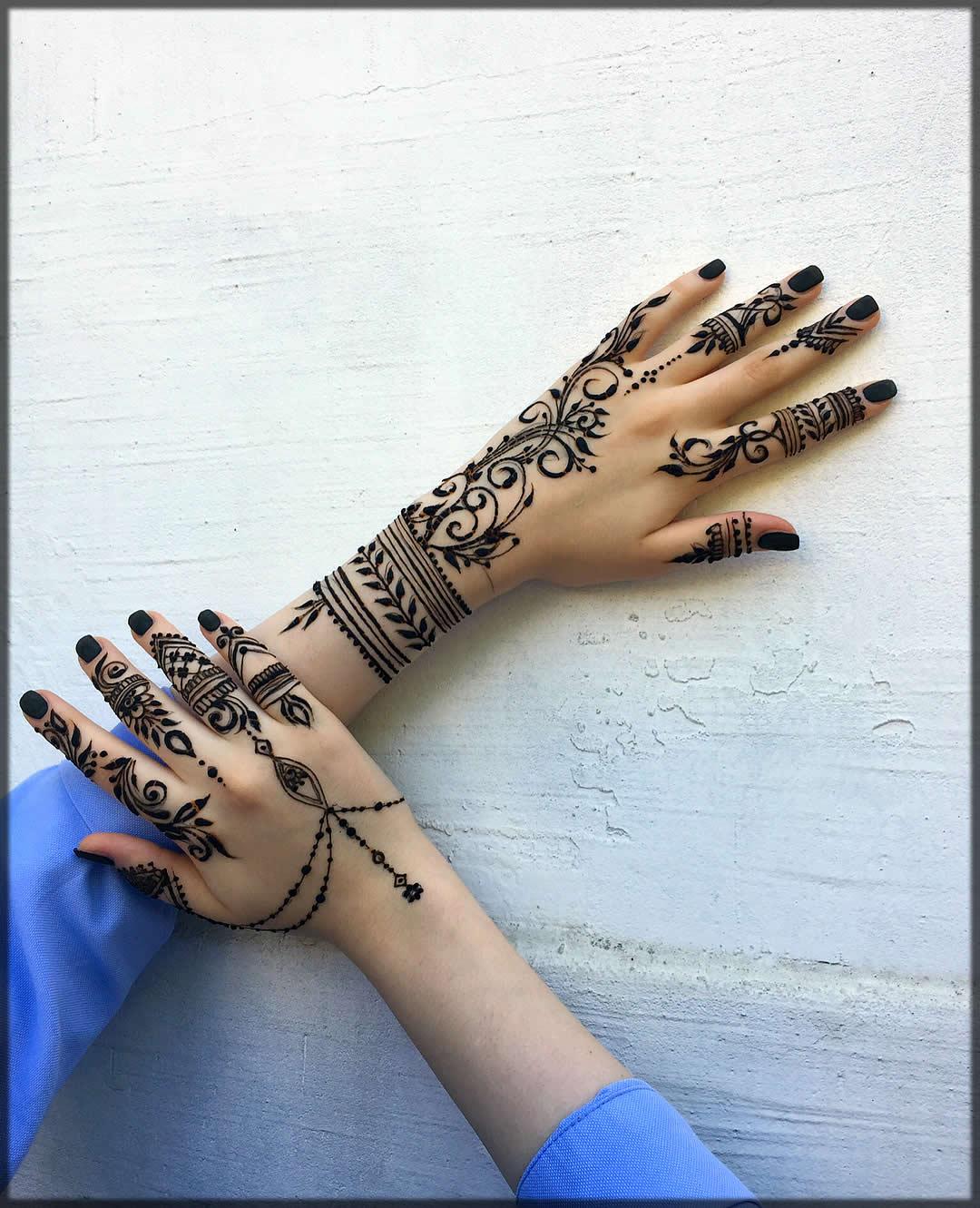 Classy henna pattern