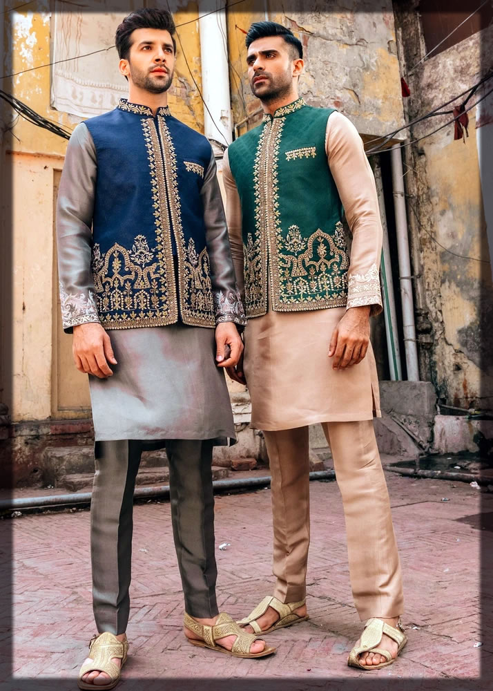 chic and classy mehndi dresses for groom