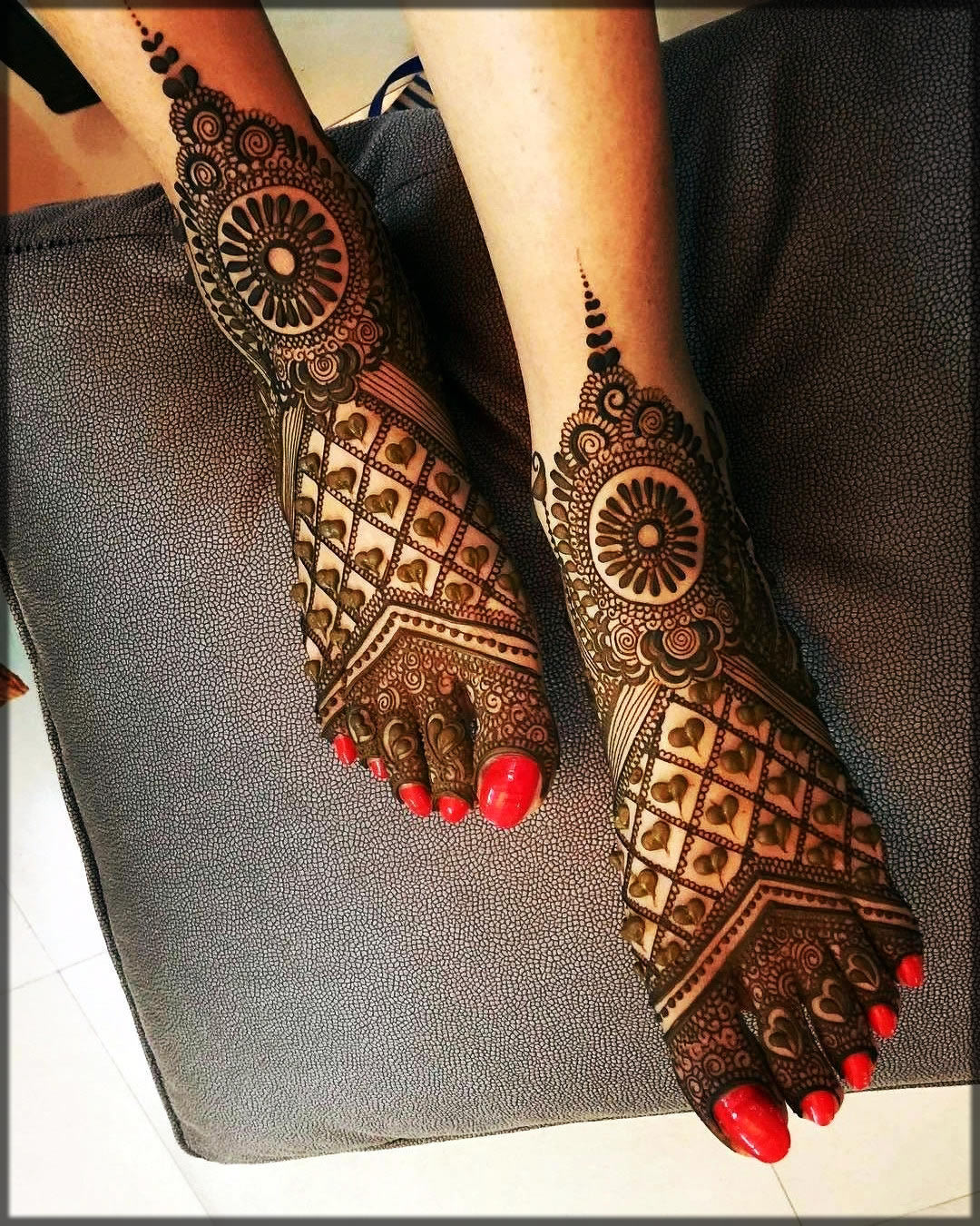 feet black mehndi new designs