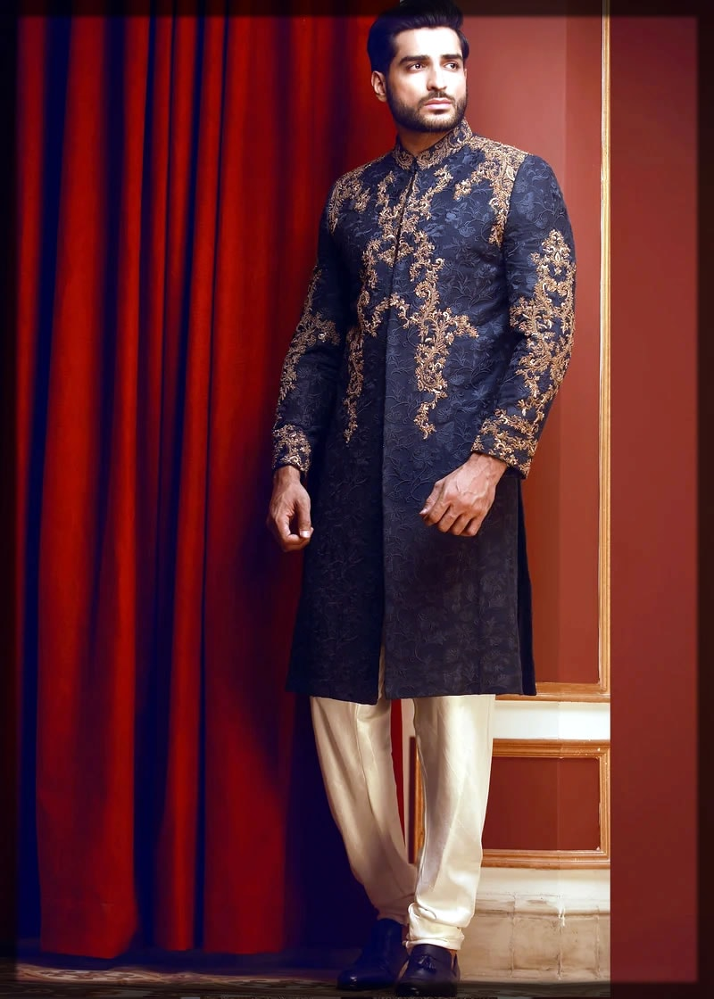 sherwani style mehndi dress for groom