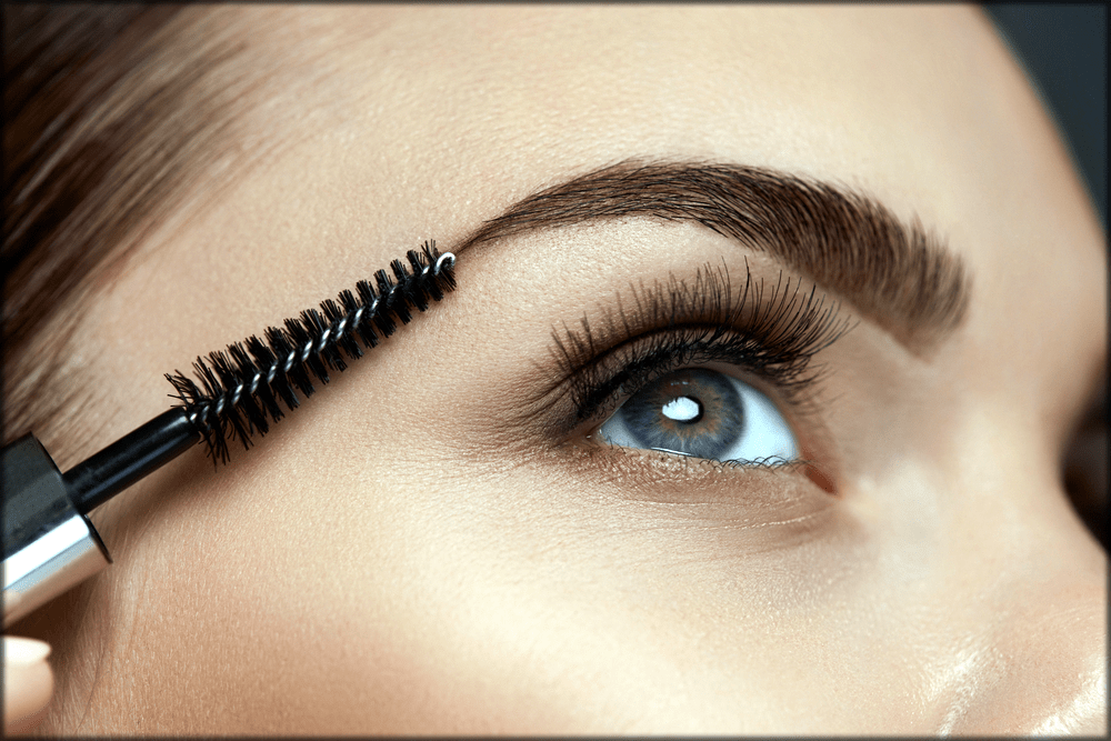 Shaping the eye brows
