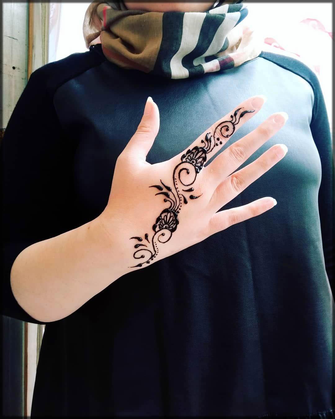 Pretty Turkish henna
