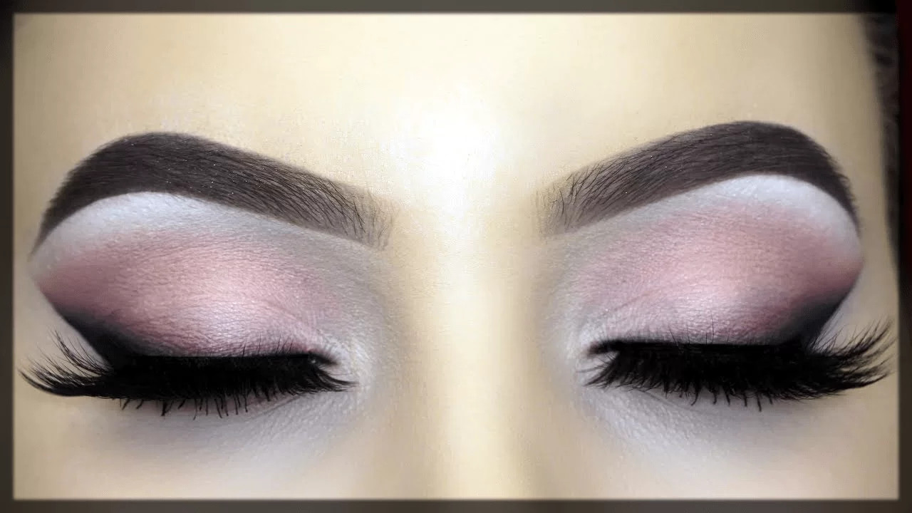 winged liner styles