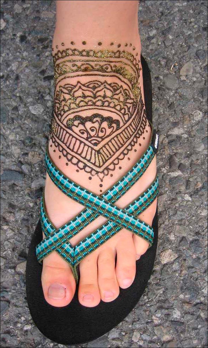 Glitter Arabic Foot Mehndi