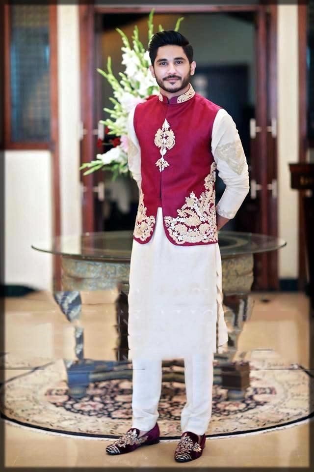 Pakistnani men wedding dress for mehndi