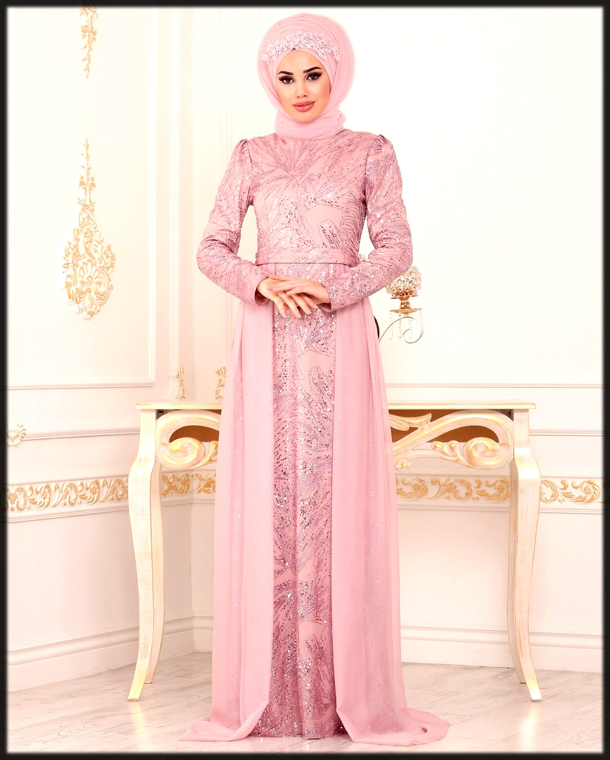 Pink abaya dress with white embroidery