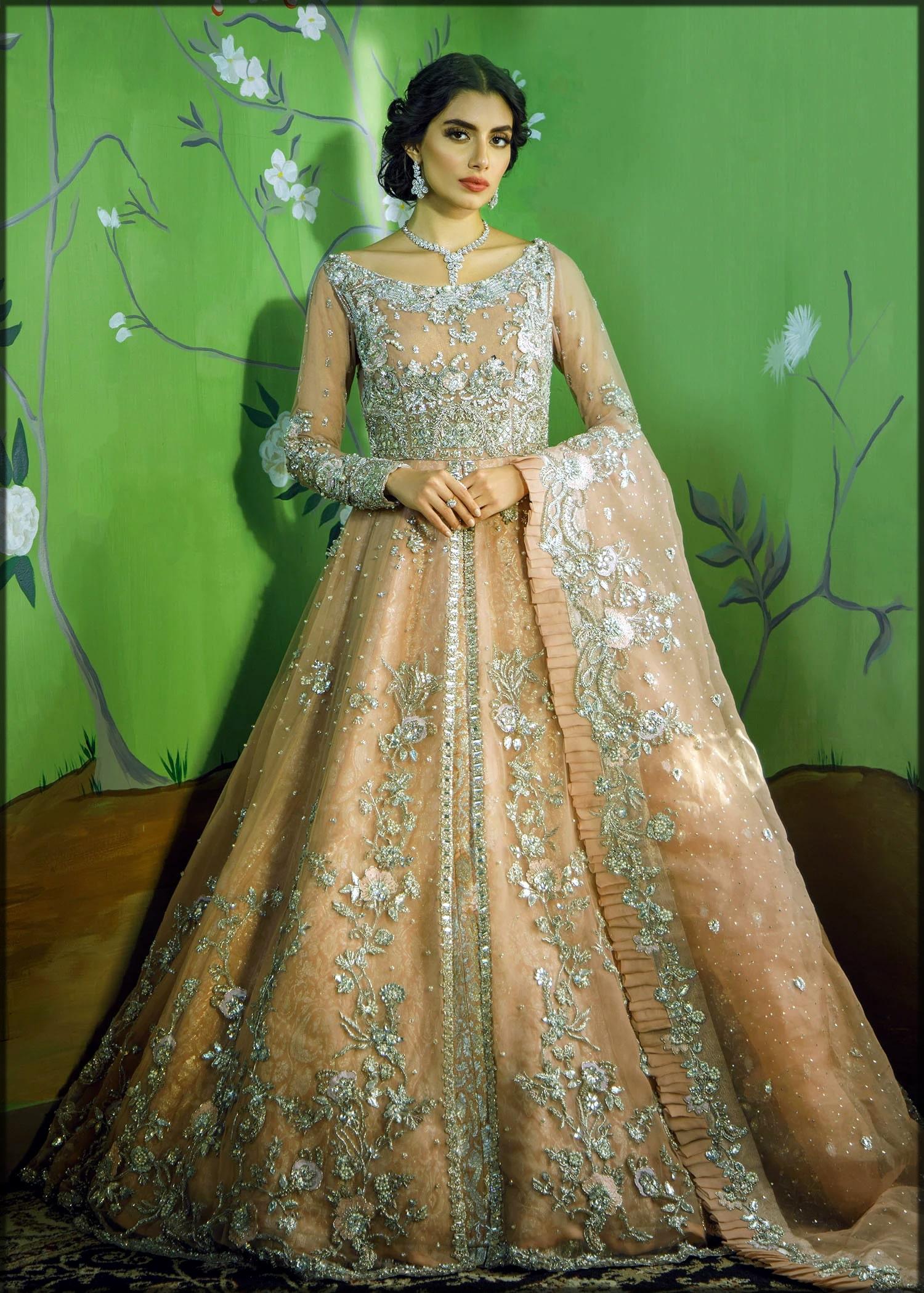 beautiful bridal dress for mehndi