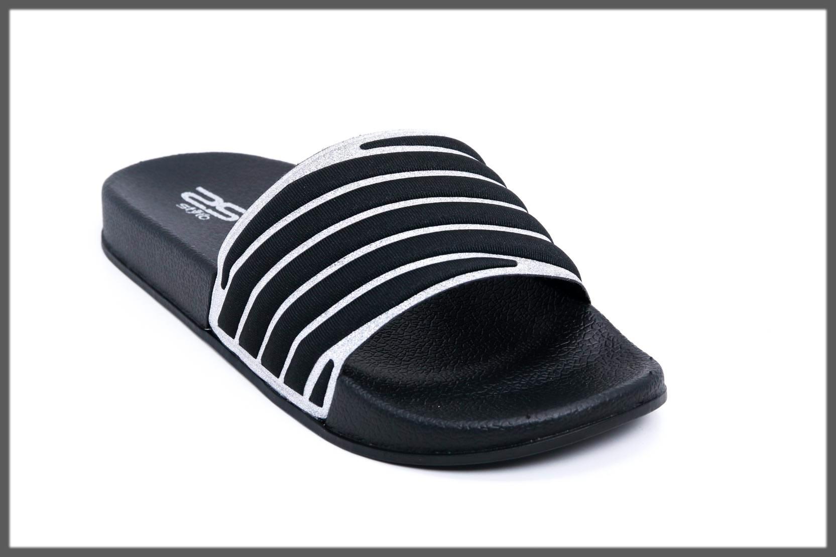 black lining flip flop