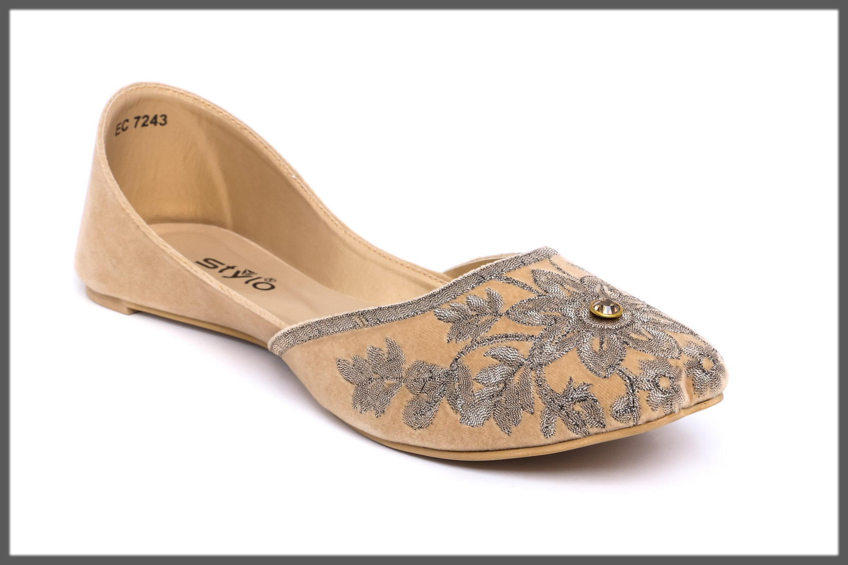 ethnic fawn khussa for girls