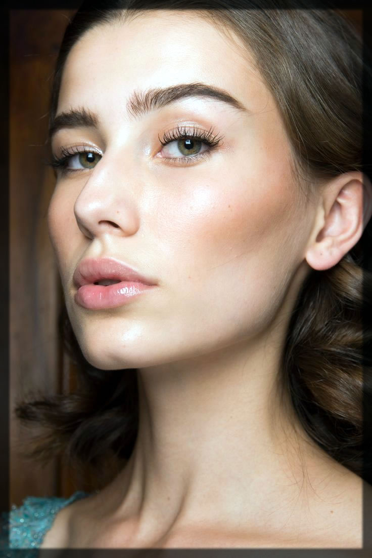 how To Apply Foundation on face