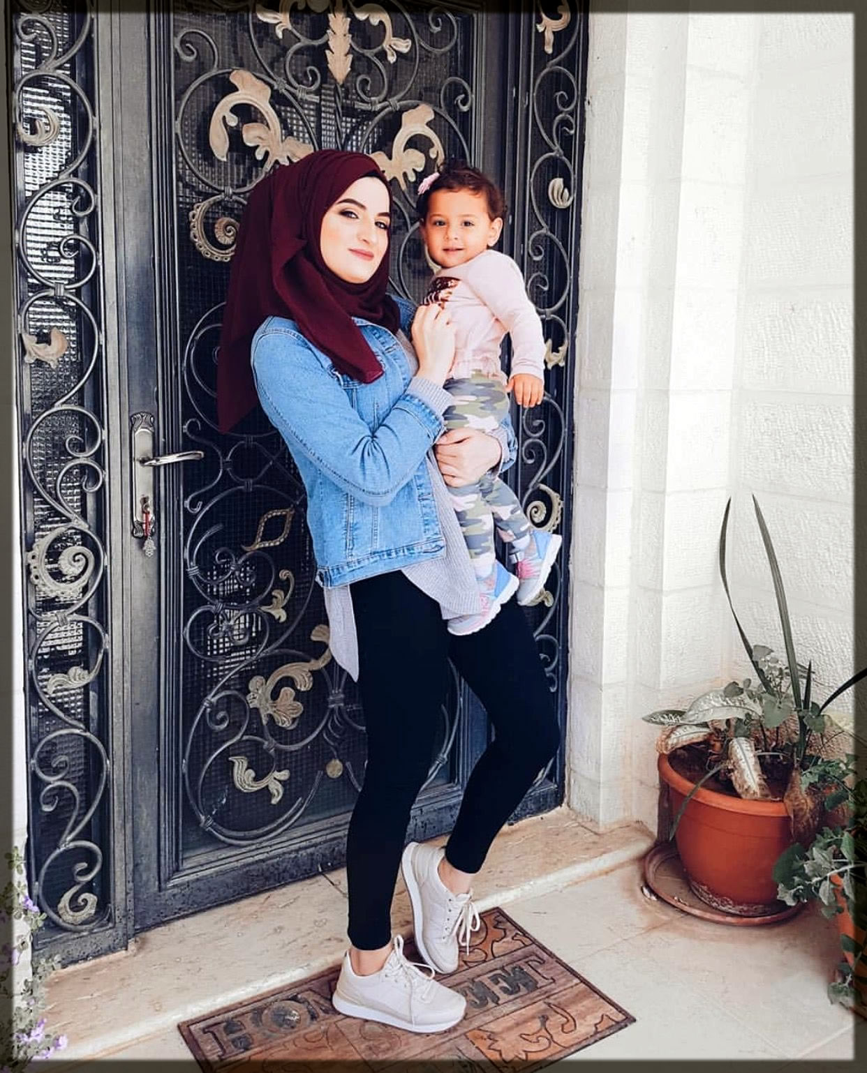 mommy hijabs tyles with jeans