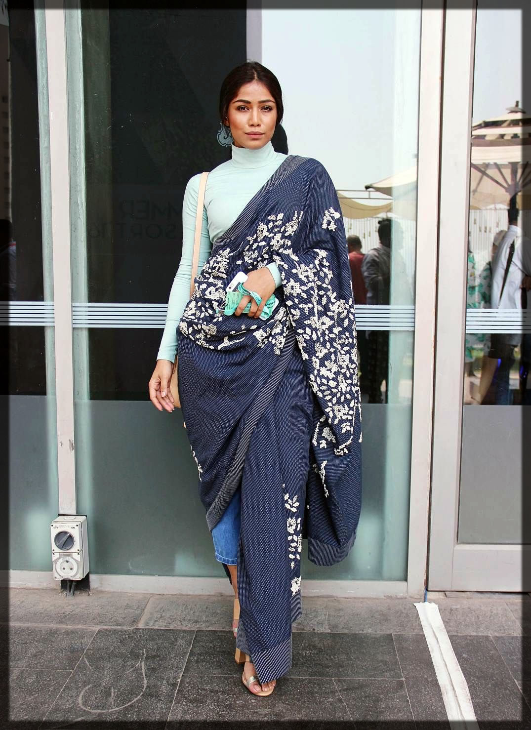 saree styles with blue jeans