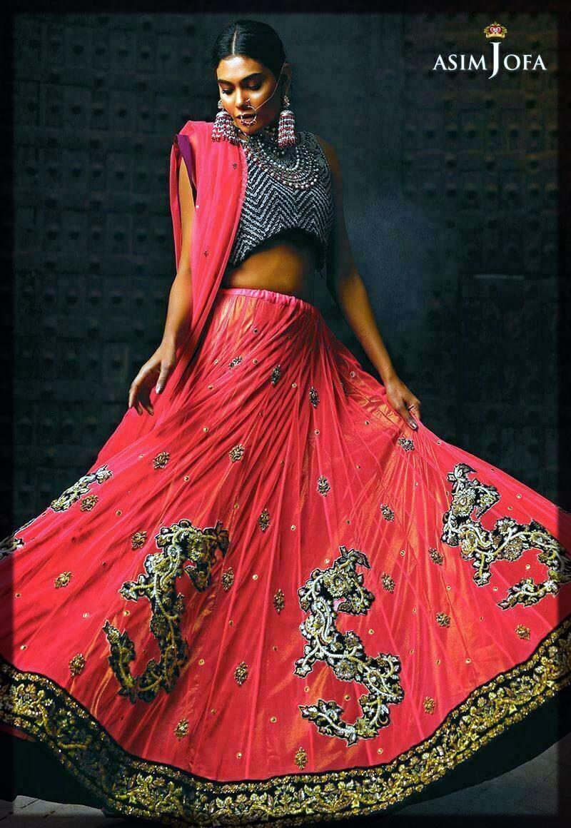 stunning mehndi dress for bride