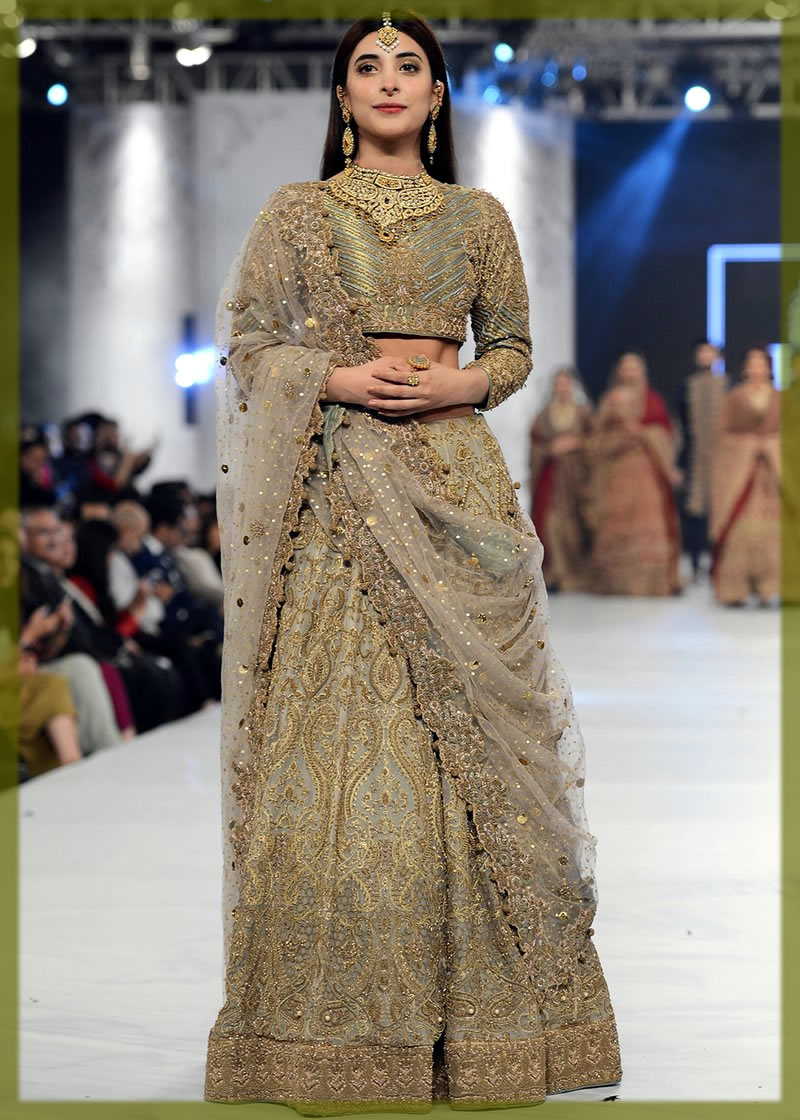 stunning saree design by HSY