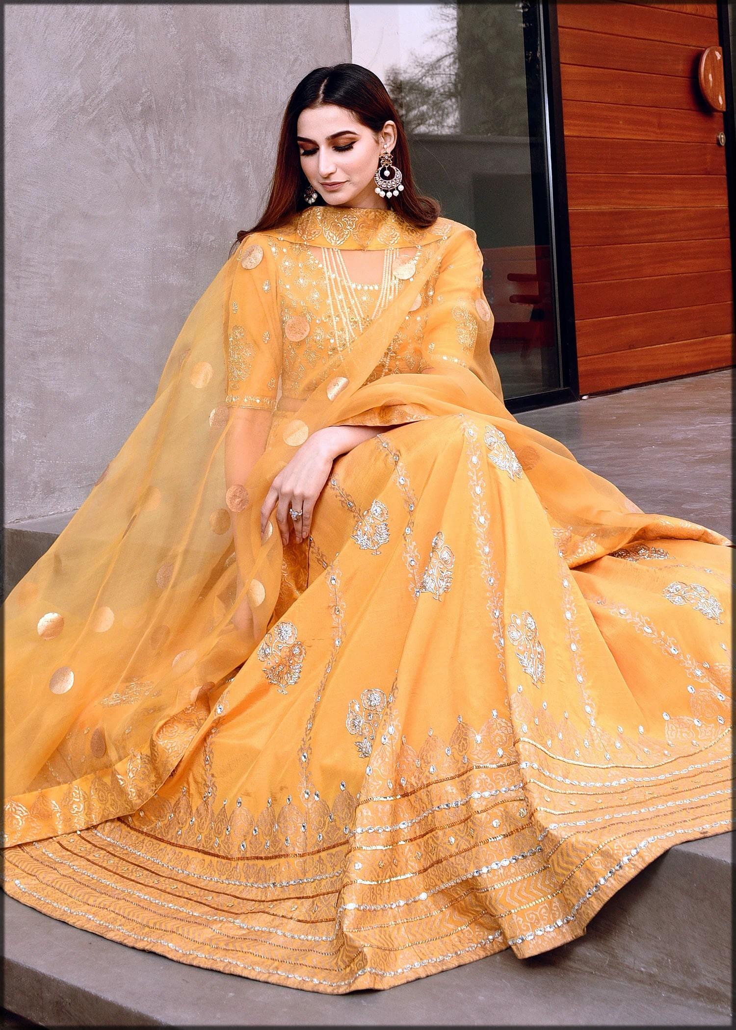 yellow embroidered lehenga choli for mehndi