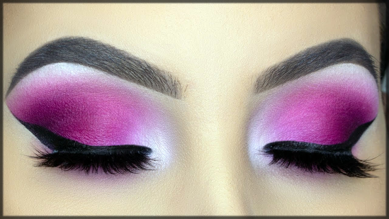 Beautiful Pink smokey eye make up