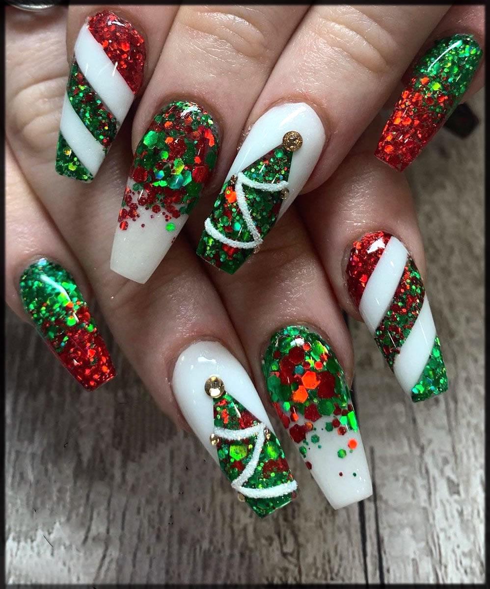 Beautiful glitter nail art for christmas