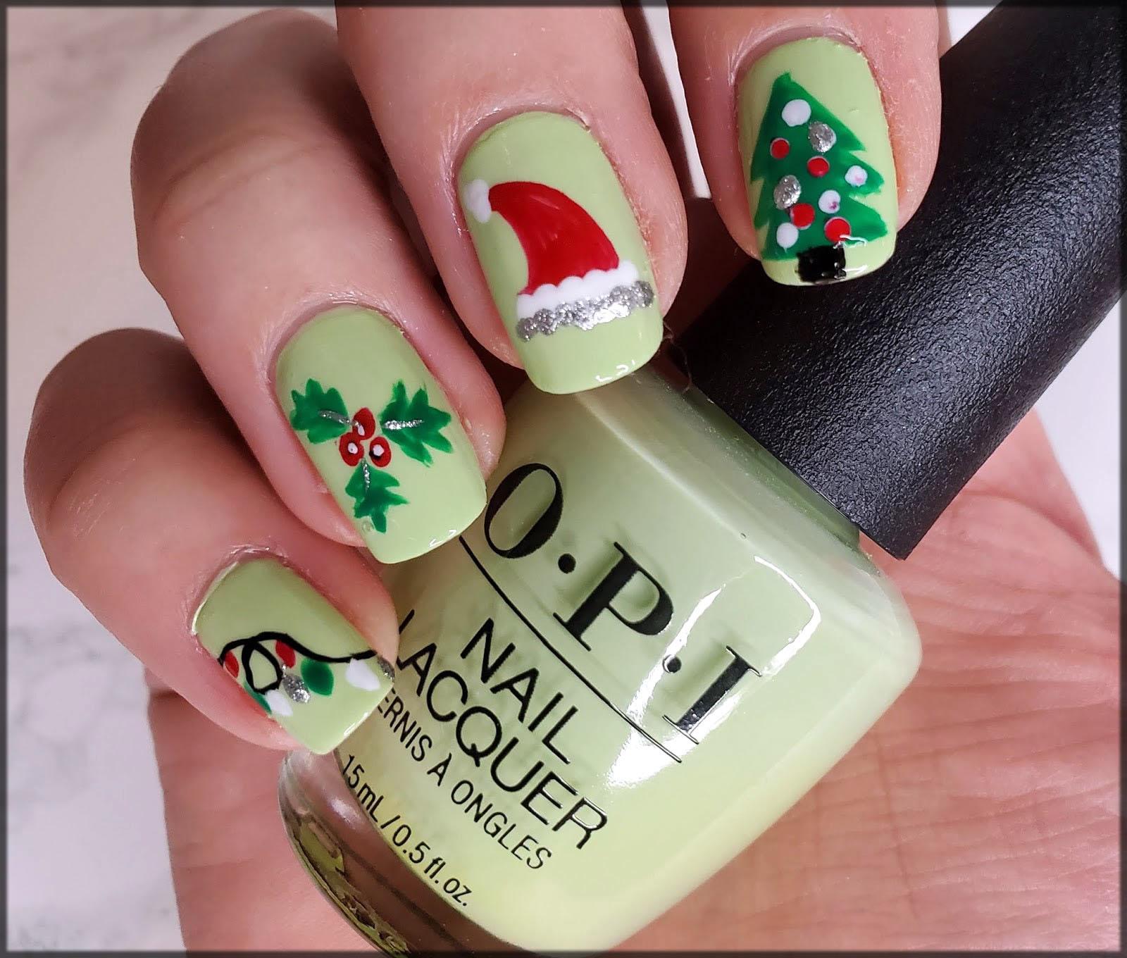 Christmas tree nail art