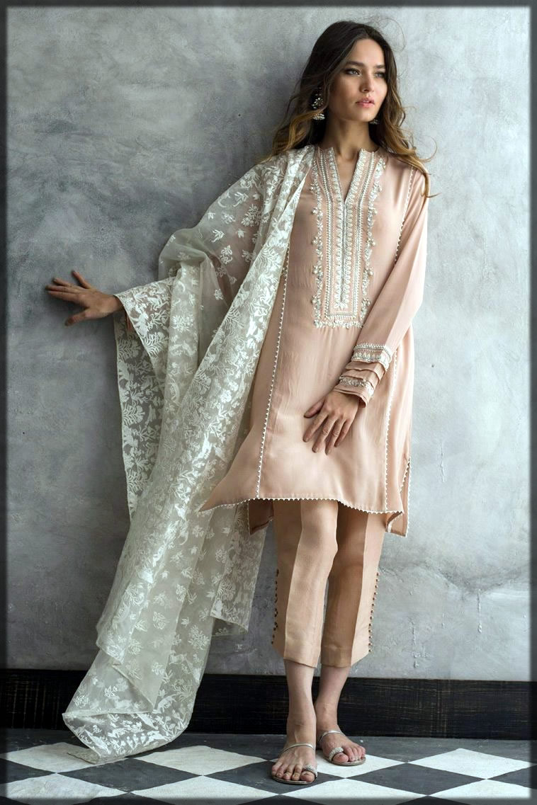 Crepe silk dress for casual routine