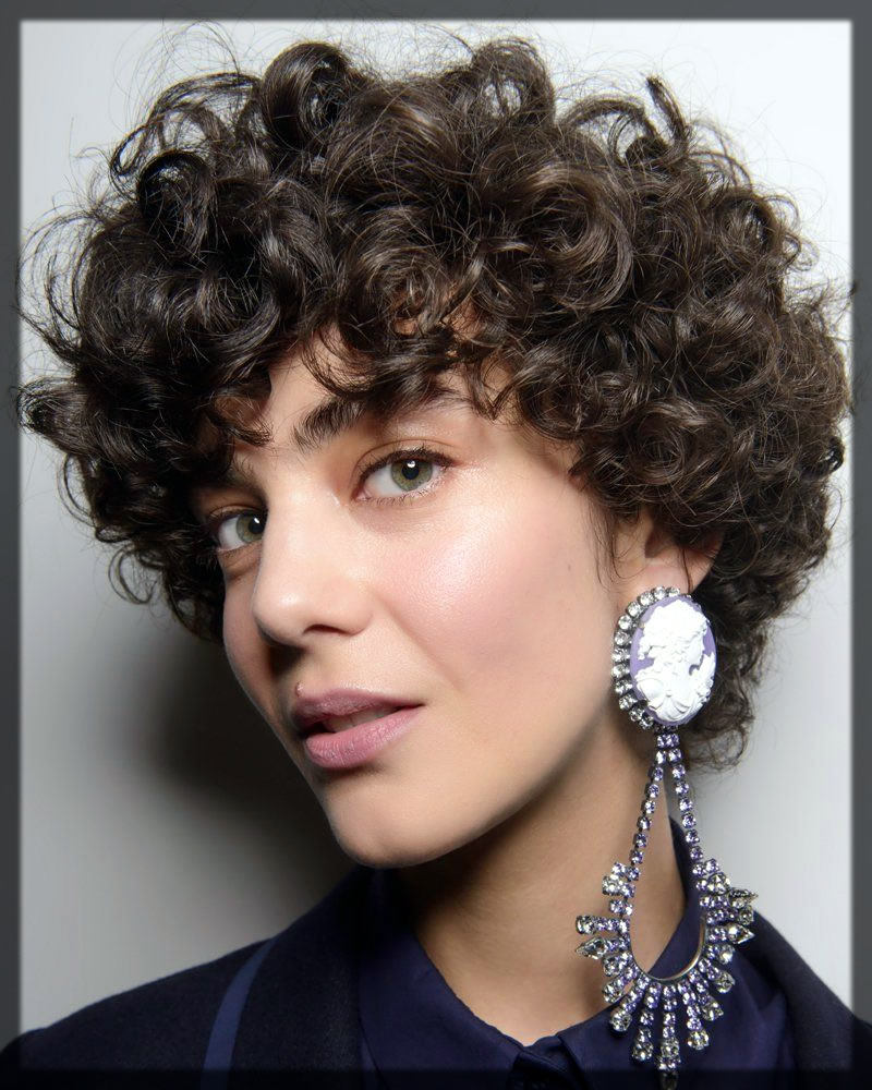 Cropped Curls