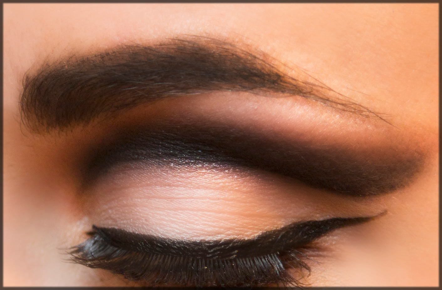How To Do a Cut Crease Eye Makeup at Home