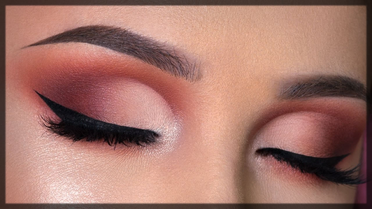 How To Do a Cut Crease Eye Makeup by yourself