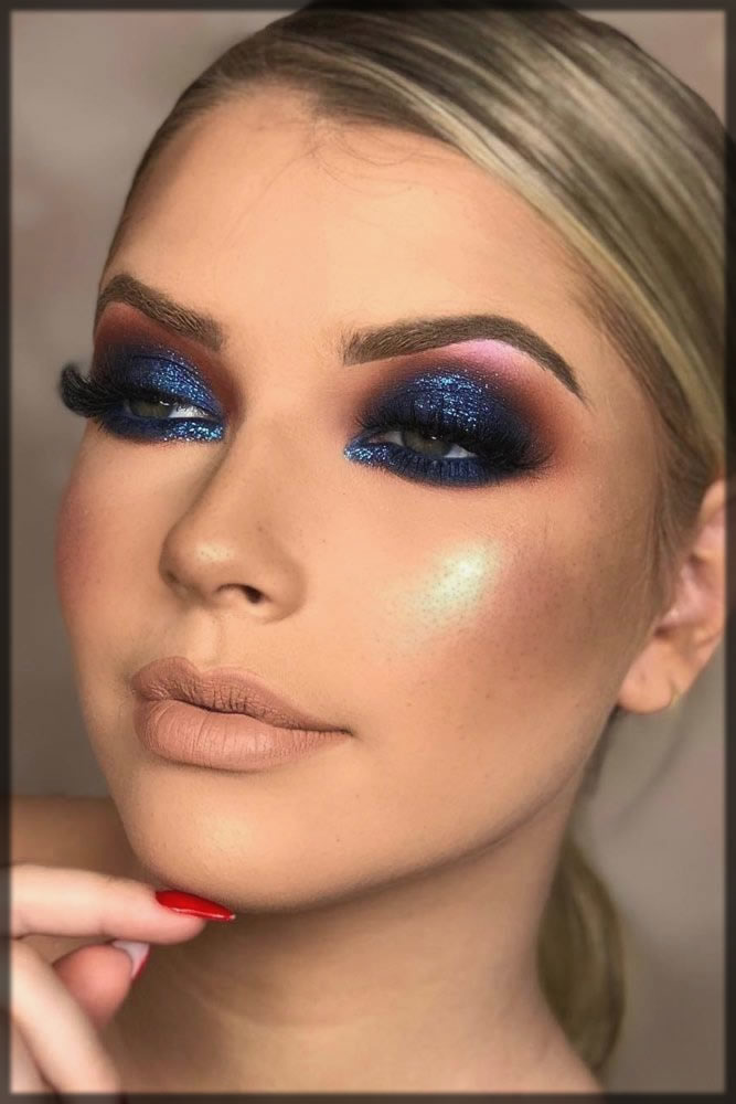 Makeup look with blue smokey eyes