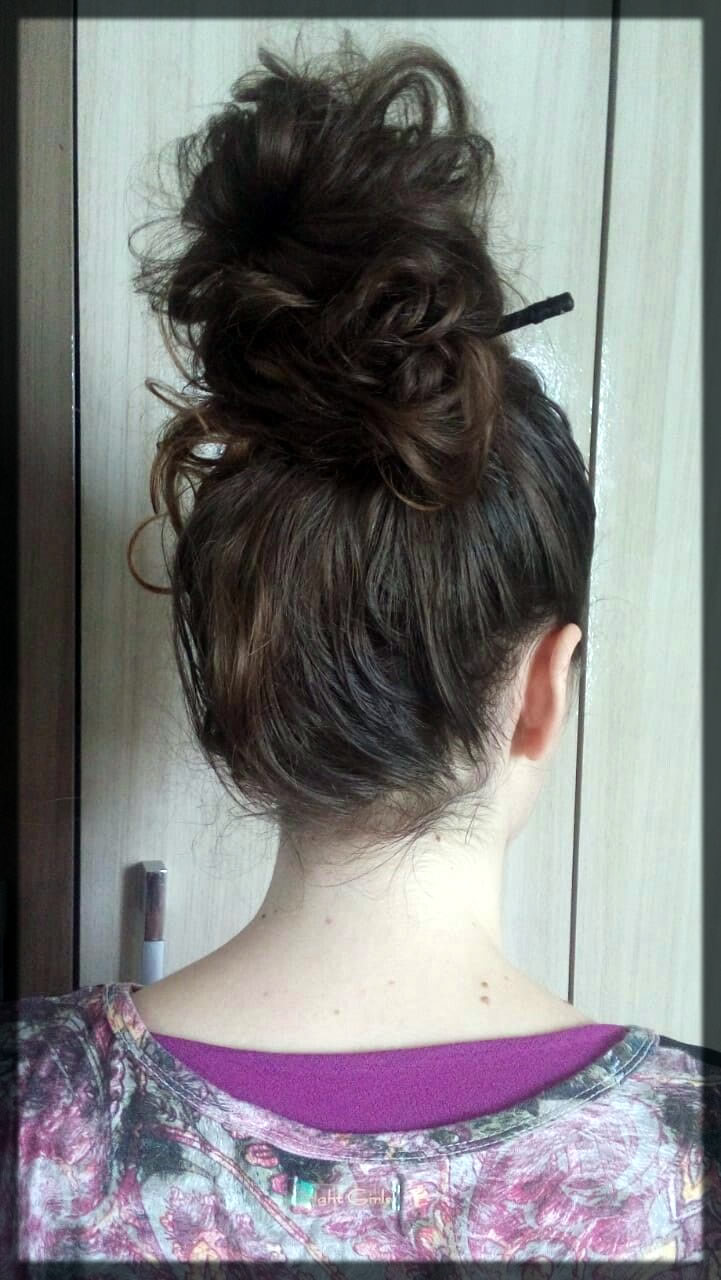 Messy Hump Winter Hairstyle For Women