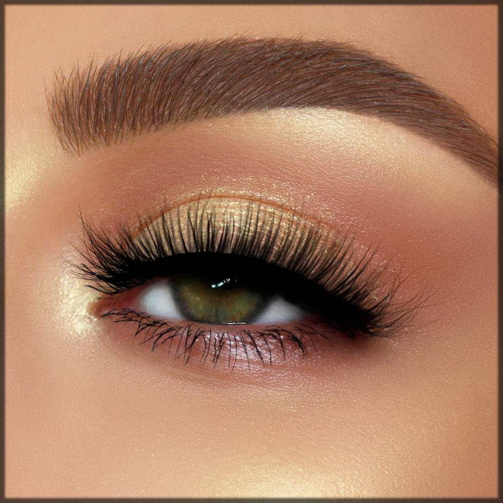 arabic eye makeup with glittery highlighter