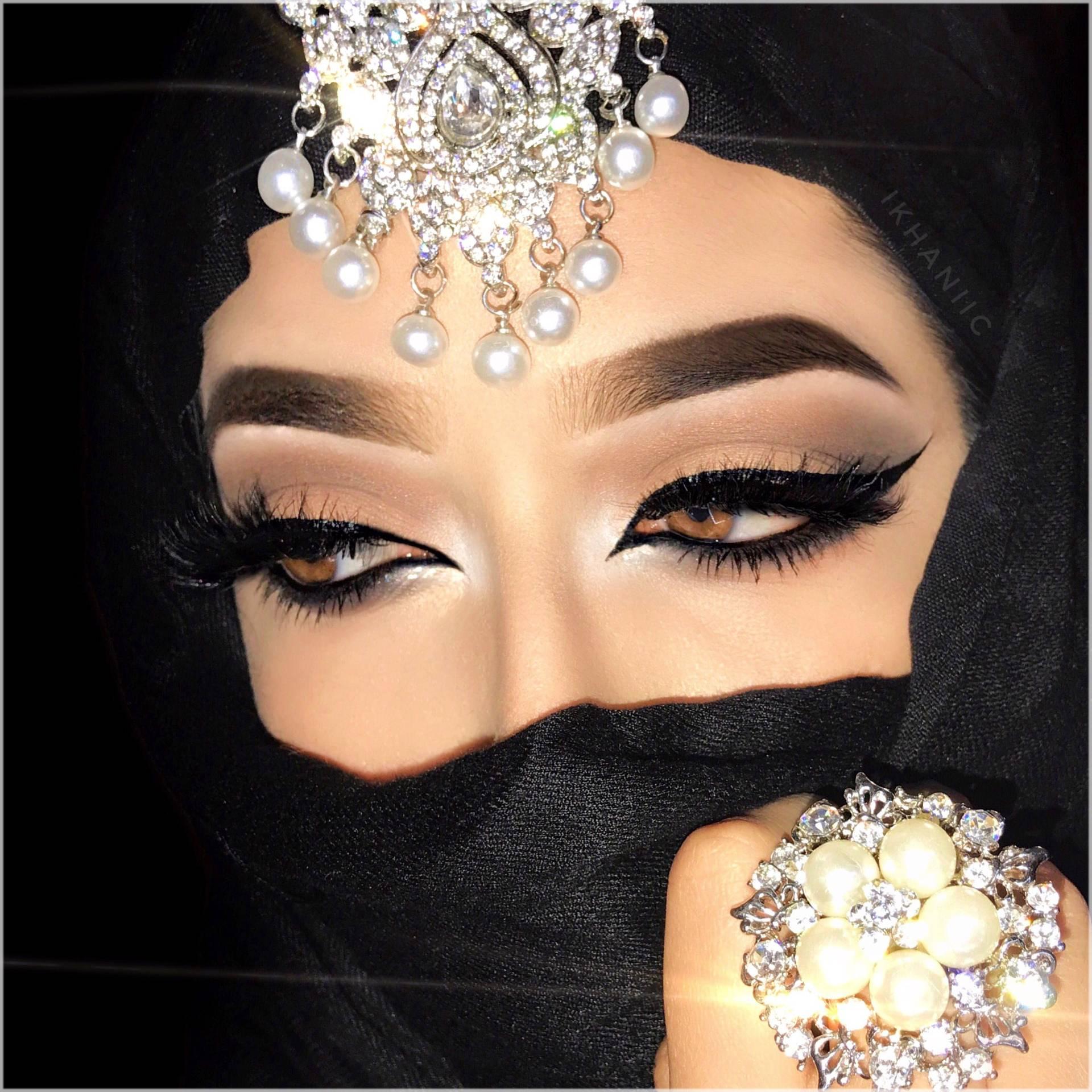 arabic style heavy mascara