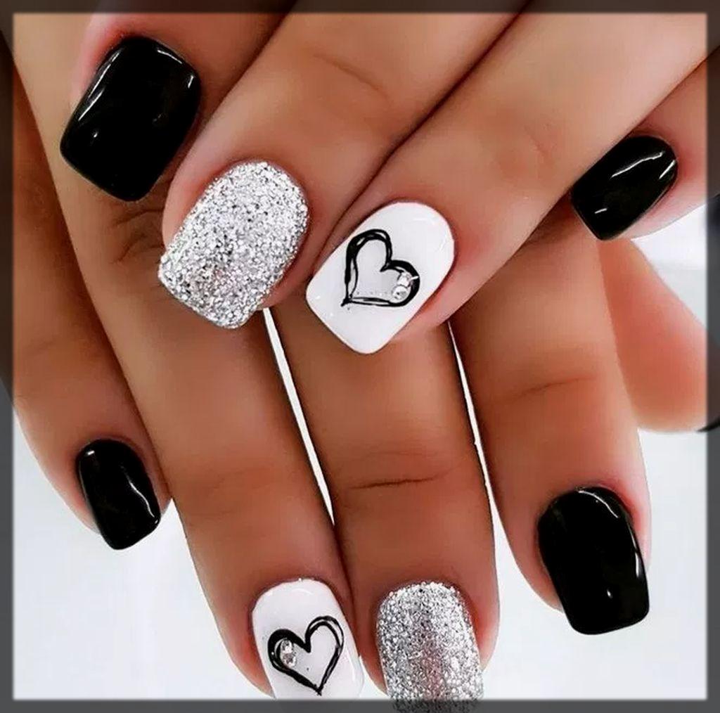 balck and white winter nail art