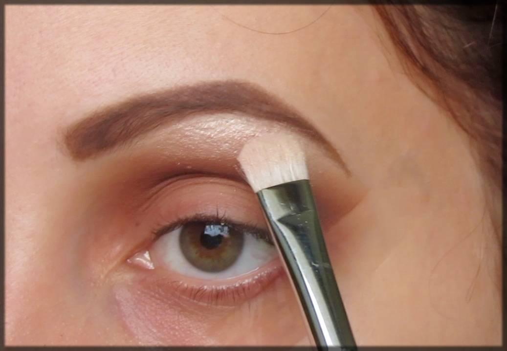 brow bone highlighter eye makeup