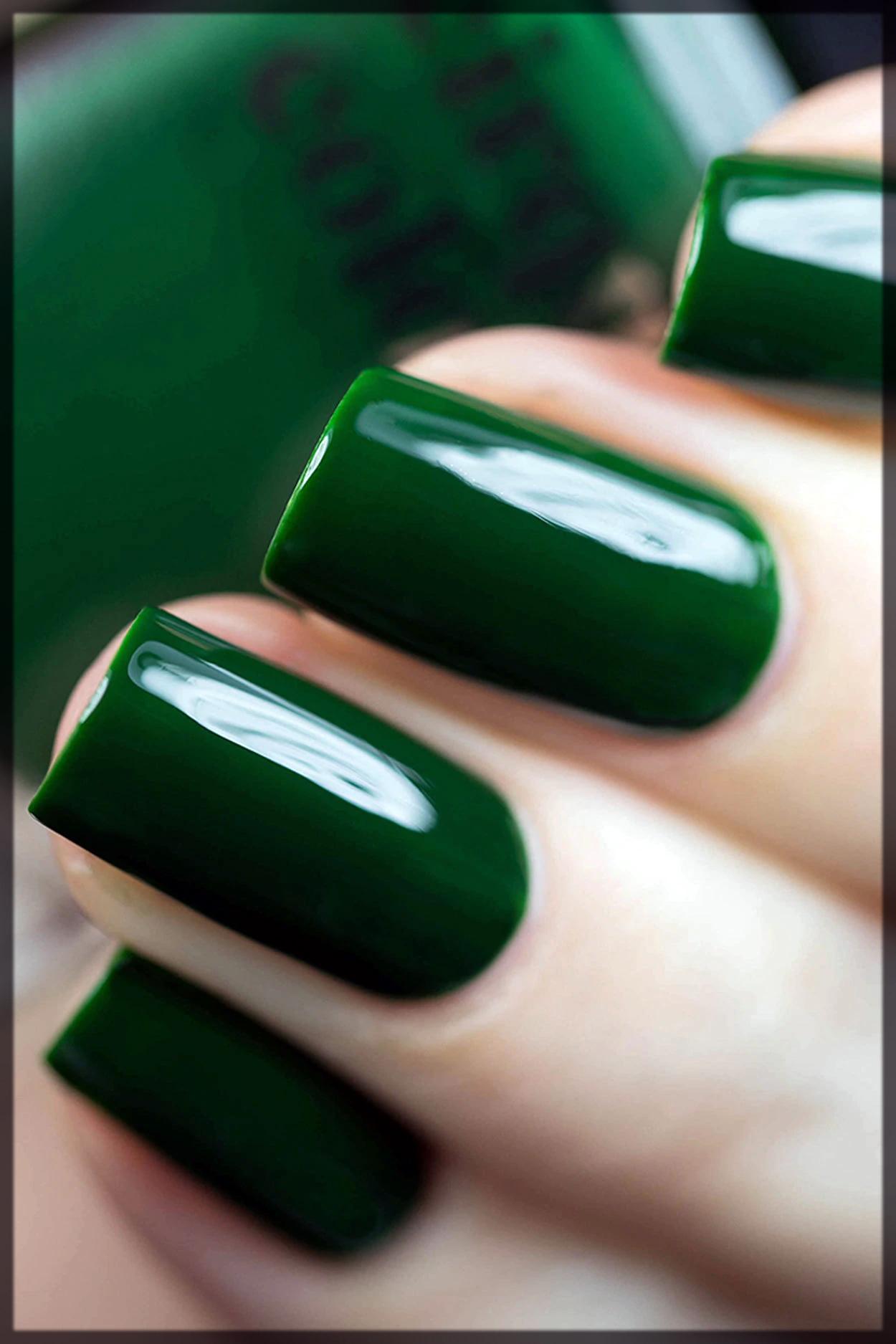 dark green nail color