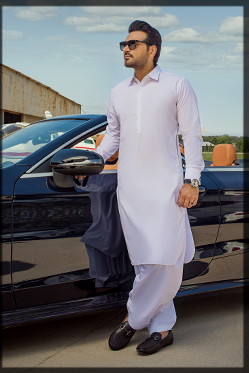 dazzling summer suit for men in white hues