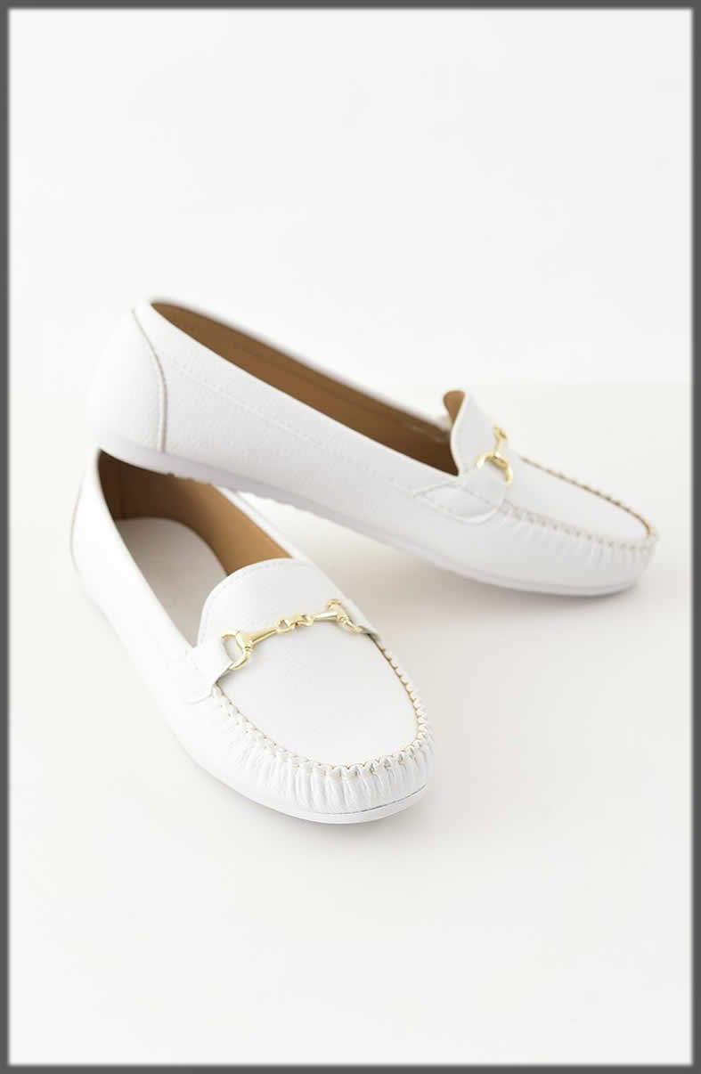 decent white Winter Shoes For Women