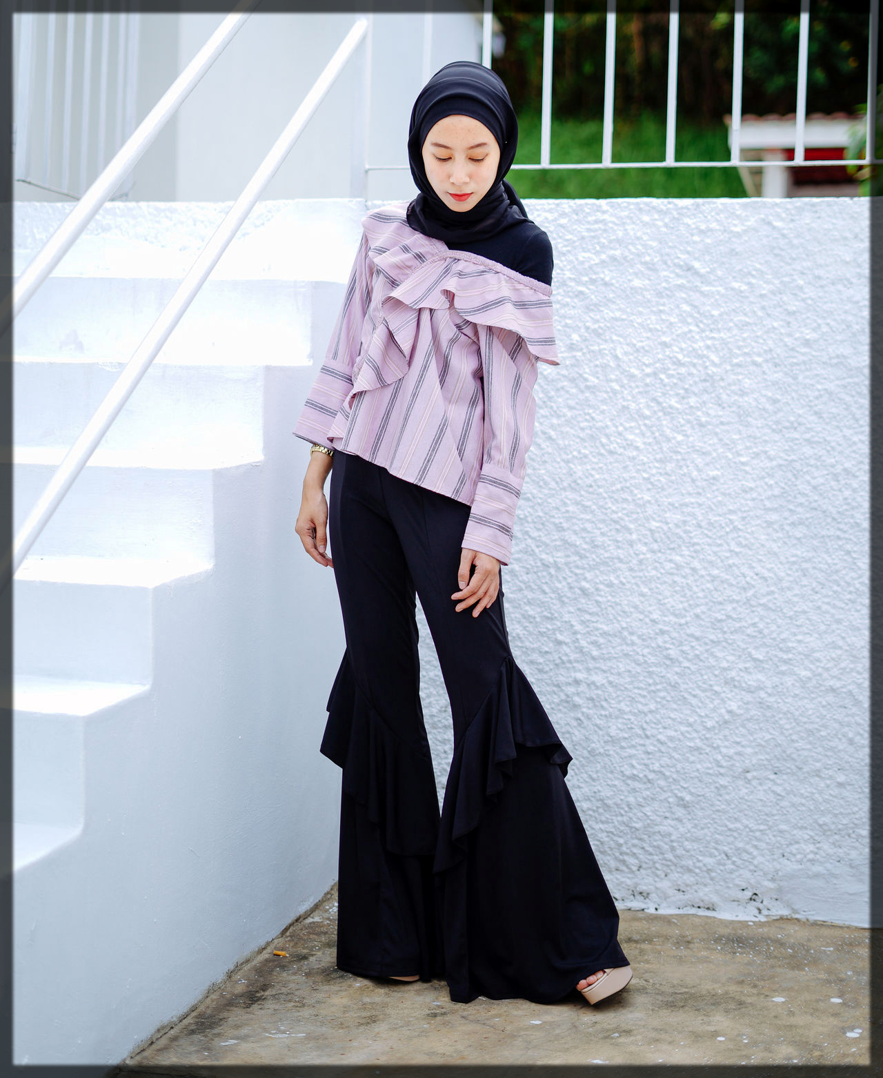 hijab wrapping ideas with modest outfit