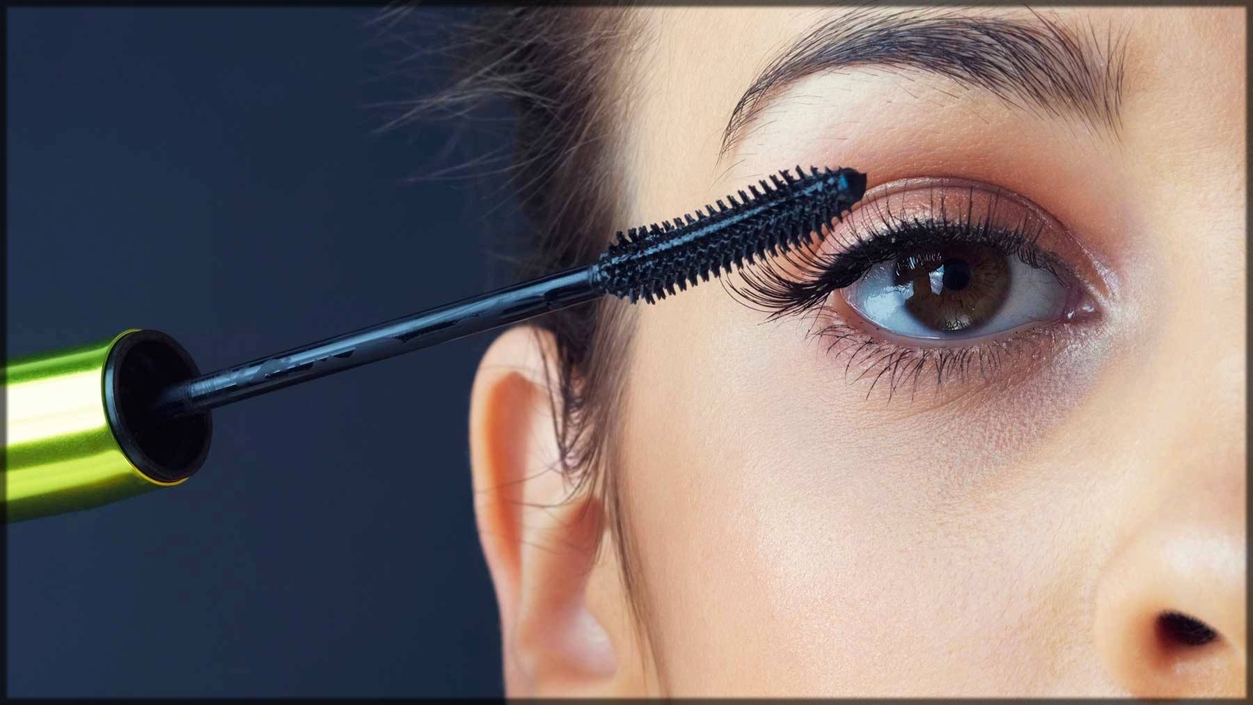 how to apply mascara on eyes
