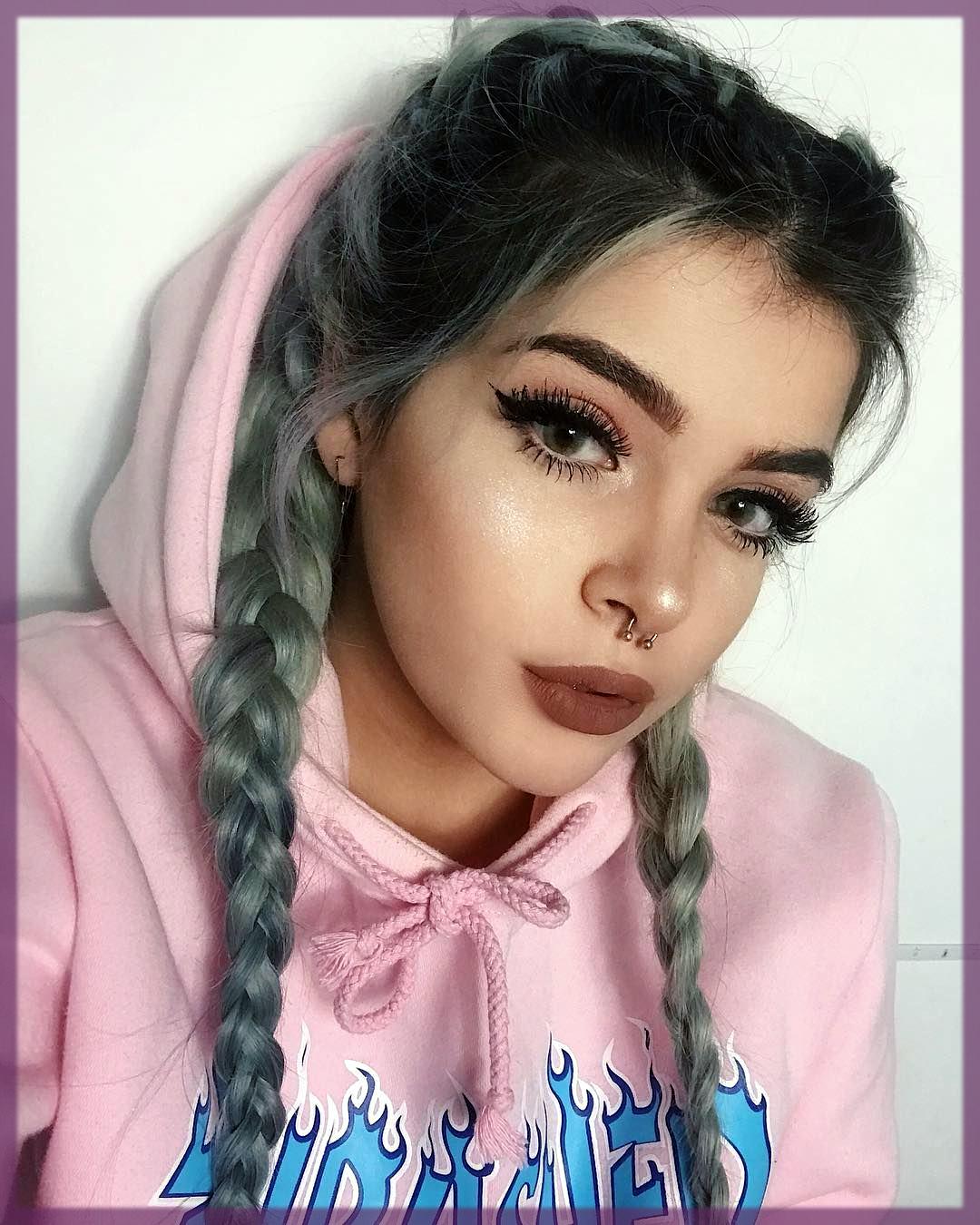 radinat winter makeup look