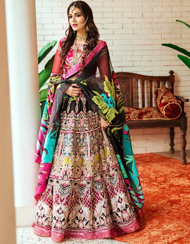 unique mehndi Saira Rizwan Bridal Collection