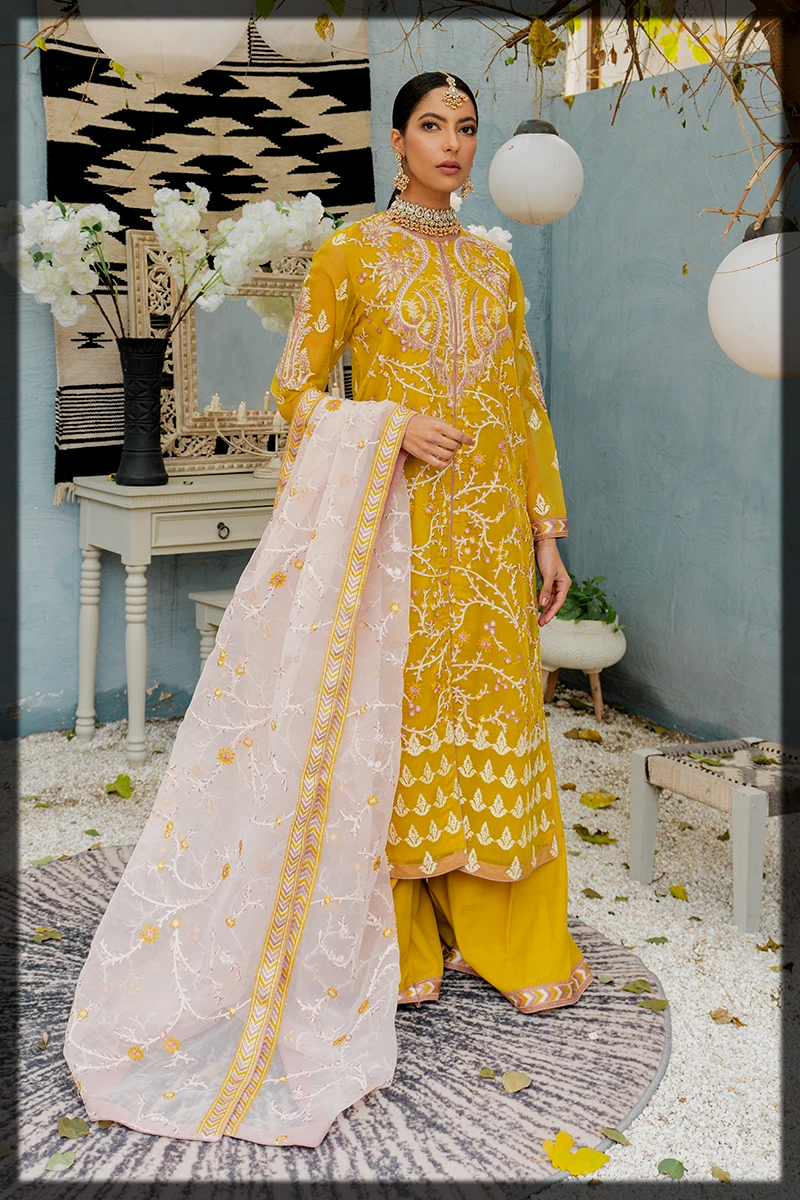 yellow organaza suit for women