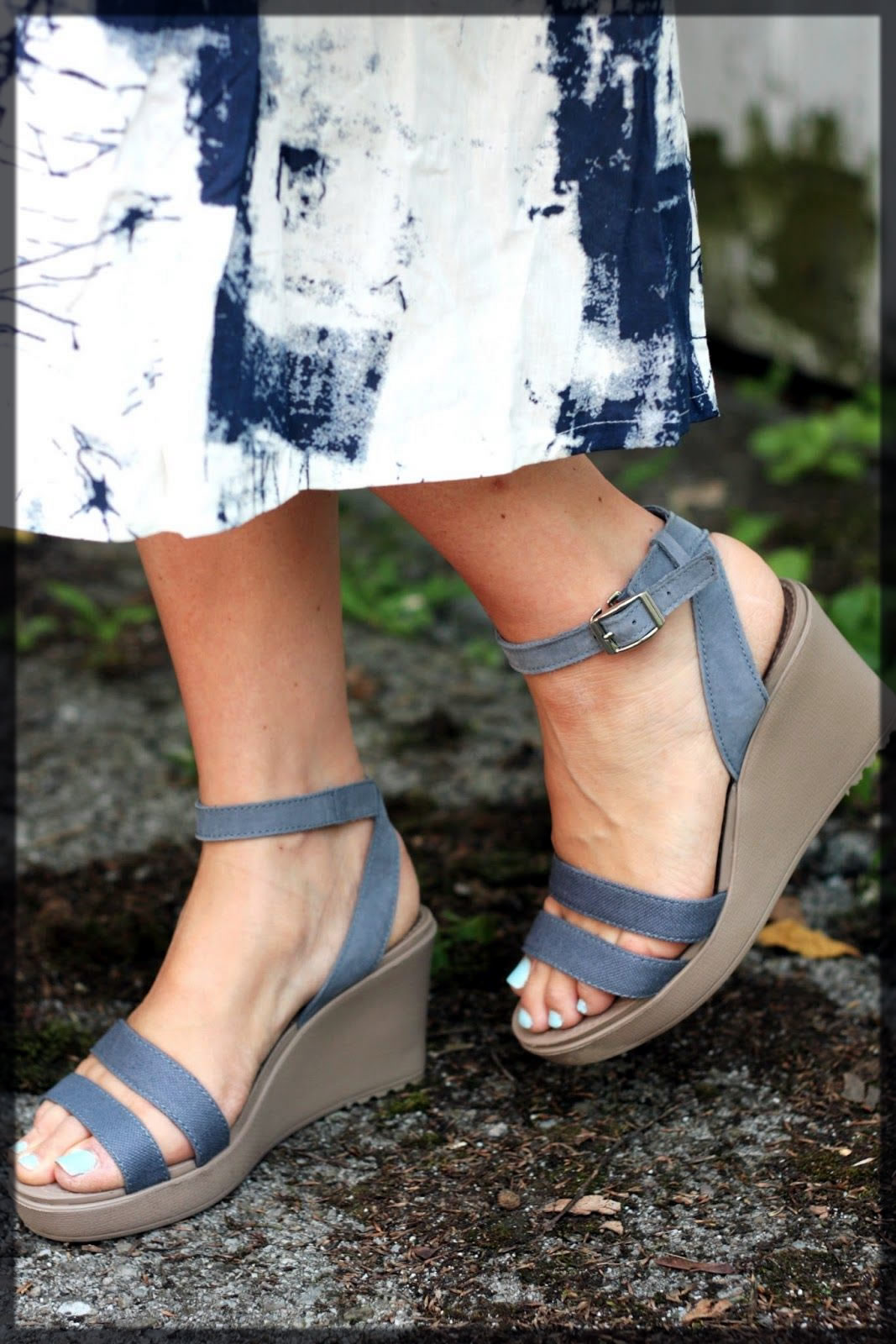 Crocs Leigh Wedge Comfortable Sandals For Women